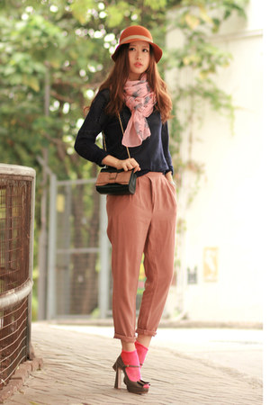 pink Chloe bag - navy Yesstyle sweater - light pink Modekungen scarf