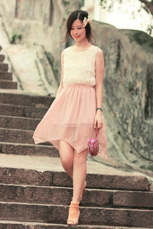 peach Chicwish dress - magenta Ipa Nima bag - neutral Prada heels