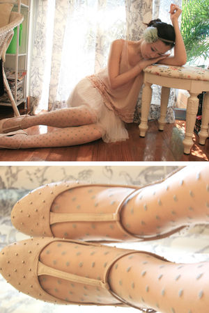 beige Topshop stockings - beige Topshop shoes - pink Forever 21 vest