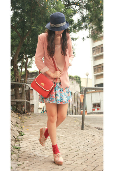 blue dim ton aise skirt - pink 8020 shoes - blue Uniqlo hat - pink yull blazer