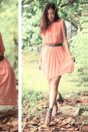 pink vanity beauty shoes - orange ulgii dress - gray H&amp;M belt