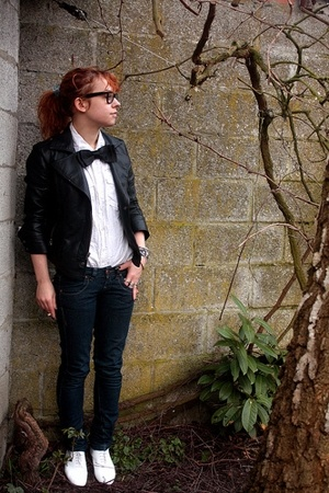 Topshop blazer - H&M blouse - Vintage from Emmaus accessories - Bershka pants -