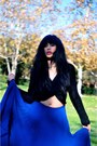 Black-knit-cardigan-blue-romeo-juliet-skirt-gold-thrifted-necklace