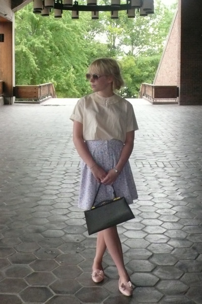 vintage blouse - vintage skirt - vintage shoes - H&M sunglasses - vintage purse