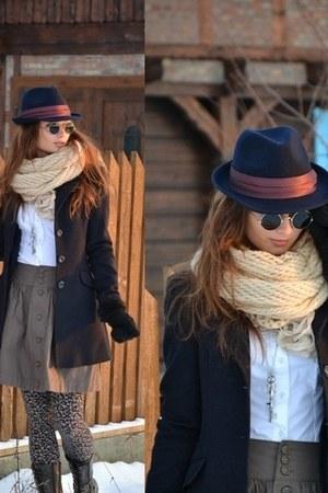 pull&bear hat - Stradivarius coat - Stradivarius leggings - cropp shirt