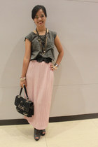 light pink vintage so-en skirt - heather gray Charles & Keith shoes