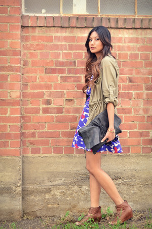 brown Dolce Vita wedges - blue Yumi Kim dress - olive green f21 jacket
