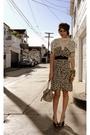 Beige-vintage-accessories-brown-vintage-dress