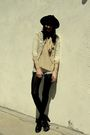 Beige-vintage-free-people-sweater