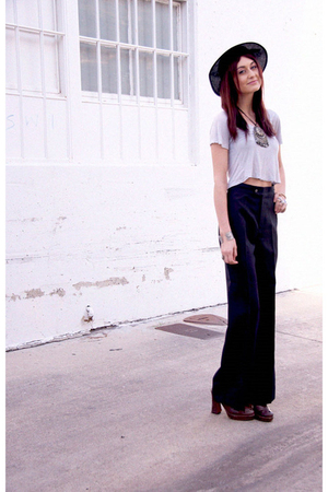 black vintage hat - blue vintage pants - blue silence and noise shirt