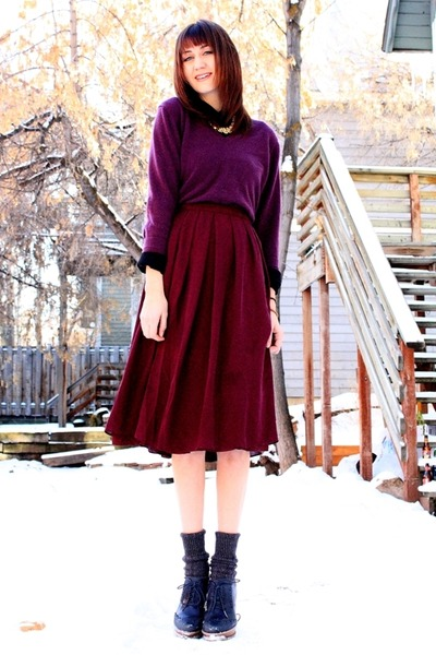 maroon vintage skirt - deep purple Enzo Mantovani for Costco sweater