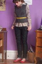 shoes - forever 21 jeans - blouse - vintage - thrifted belt - vintage