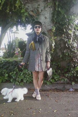gray vintage jacket - beige vinage dress - black vintage accessories - beige Ale