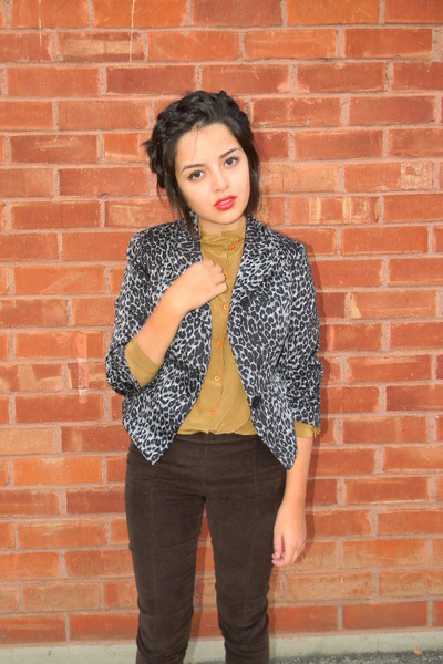 mustard vintage blouse - silver Urban 1972 jacket