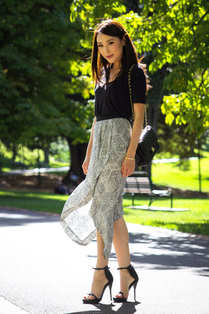 white asymmetric Willow skirt - black Alexander Wang t-shirt