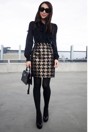 gold houndstooth Saba skirt - black audrey Celine sunglasses