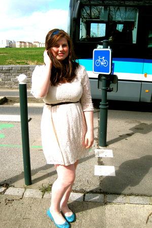 beige dress - brown Wet Seal belt - blue H&M shoes - blue made by me accessories