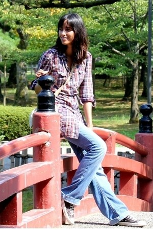 Bershka jeans - Converse sneakers - Zara blouse