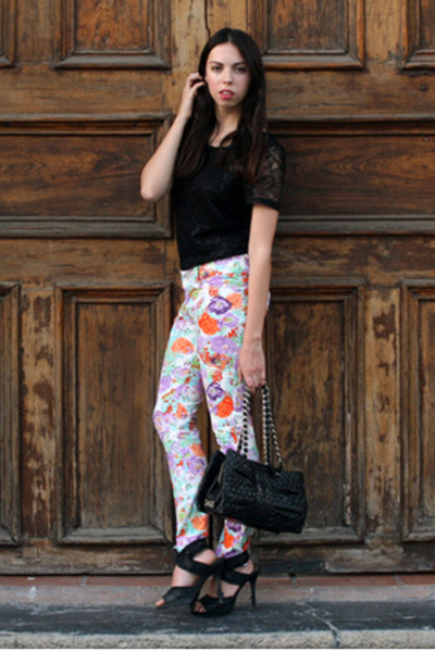 white flower print unica jeans - black H&M shirt - black Moschino bag