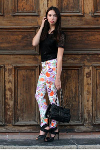 white flower print unica jeans - black H&M shirt - black Moschino bag