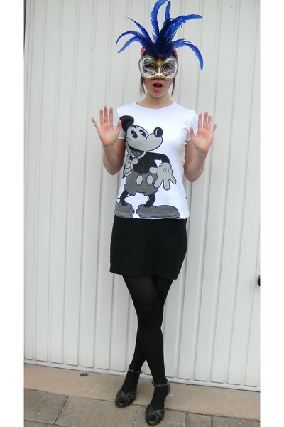 Disneyland shirt - vintage skirt - Deichmann shoes