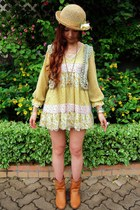 tawny boots - yellow flowers JB girl dress - light yellow flower Secondhand hat