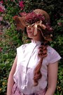 Brown-flowers-secondhand-hat-white-secondhand-shirt-salmon-flowers-shorts-