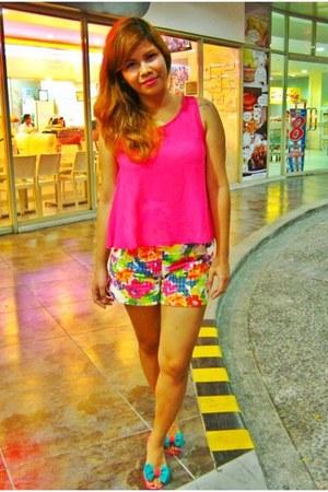 hot pink vintage shorts - hot pink bazaar find blouse