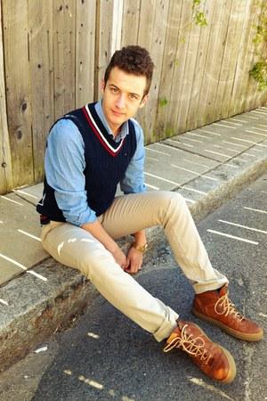 cable knit Tommy Hilfiger vest - chambray H&M shirt - Levis pants