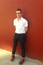 White-topman-shirt-brown-wingtip-cole-shoes-levis-jeans