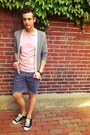 Black-gucci-belt-paint-splatter-diy-shorts-light-pink-jcrew-t-shirt
