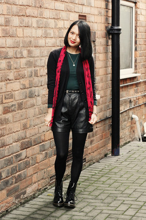 leather vintage shorts - patent doc martens boots - missguidedcouk scarf