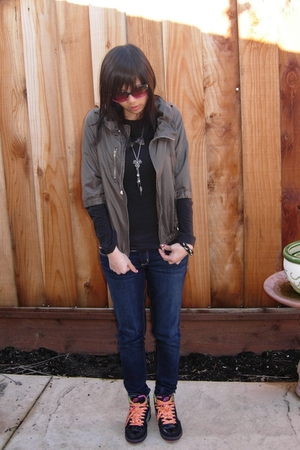 green jacket - silver anchorblue necklace - blue hollister jeans - black MAXX br