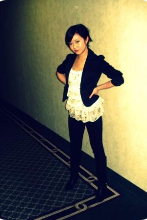 blazer - blouse - boots