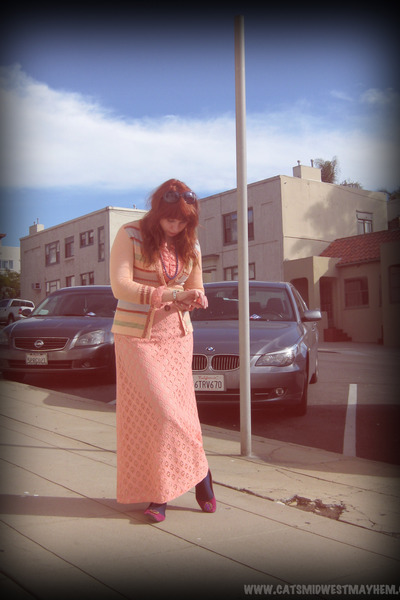 salmon vintage dress - navy thrifted tights - salmon striped vintage cardigan