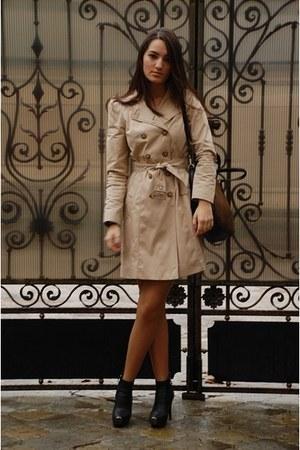 beige Zara jacket - Zara bag