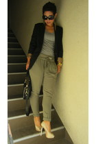 tan Steve Madden pumps - black Forever 21 blazer - black coach bag