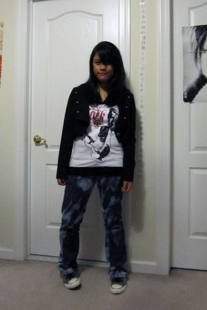 black Forever 21 jacket - white t-shirt - blue jeans - gray Converse shoes - sil