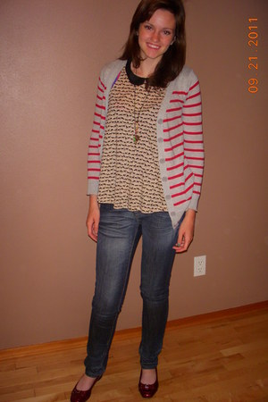 H&M top - thrifted Vigoss jeans - Forever 21 cardigan - st johns bay flats