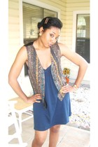 Old Navy dress - vintage vest