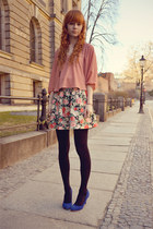 hot pink H&M skirt - light pink Sugarlips top - blue Stradivarius heels
