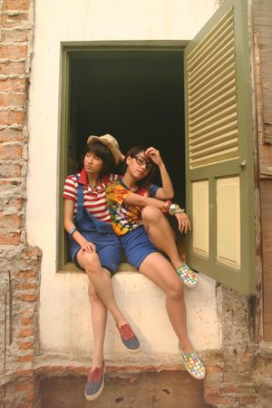 Friends - red randombrand shirt - blue Valleygirl shorts - green vintage