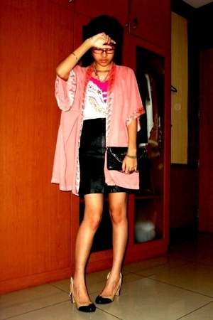 coat intimate - Top intimate - top - skirt - clutch - shoes