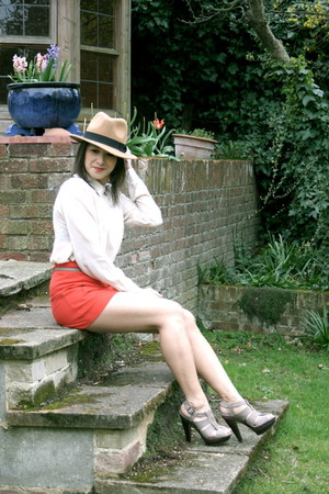 H&M blouse - Aldo shoes - felt trilby vintage hat - Primark shorts