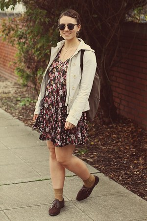 Forever 21 shoes - thrifted dress - the gap jacket - Yes Walker bag