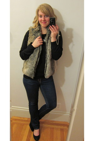 faux fur Cejon vest - Forever 21 necklace