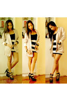 beige H&M blazer - black H&M top - black H&M skirt - H&M shoes