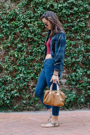 maroon brandy melville top - denim Levis jeans - forest green flannel BDG shirt