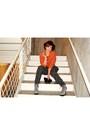 Black-nastygal-hat-burnt-orange-joie-blazer-off-white-american-apparel-top-