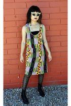 yellow yaya dress - black bra - black HUE tights - black boots - gold Alexander